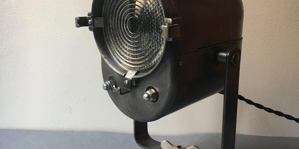 PROJECTEUR LITA-1960-CINEMA-THEATRE-LENTILLE FRESNEL-LAMPE RESTAUREE-FORMS-NIKEL-FORMES-2